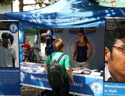 Frankfurt: Infostand bei CSD – Keine Todesstrafe, Folter und Verfolgung für LGBTs! 17. Juli 2015