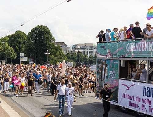 Hamburg: Infostand bei CSD – Keine Todesstrafe, Folter und Verfolgung für LGBTs! 1. August 2015