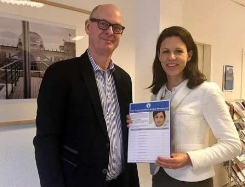 Katja Leikert übernimmt Patenschaft für Frauenrechtlerin