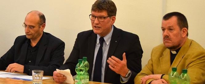 Uwe Heimowski fordert NGOs auf, Maximalforderungen stellen zu müssen.