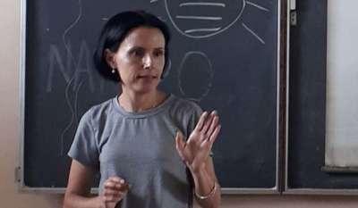 Die Universitätsprofessorin Omara Ruiz Urquiola verlor Ihre Anstellung, weil ihr Burder Ariel Ruiz Urquiola politischer Gefangener war.