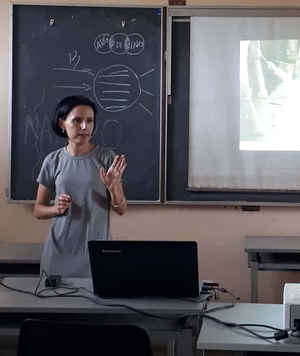 Omara Ruiz Urquiola ist Professorin für Kunst und Design in Havanna.