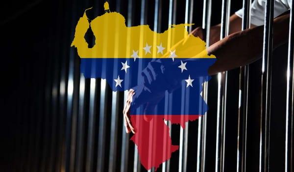 Die Regierung von Nicolás Maduro hat die Abwehrorgane angewiesen, die von ihnen betreuten politischen Gefangenen an das Ministerium für Gefängnisdienste zu überstellen.